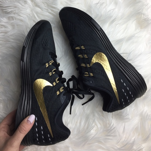 finest selection 015ec 13150 NWT Nike id black on black with gold
