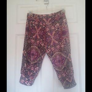 Onzie Pants - Onzie printed soft yoga capris