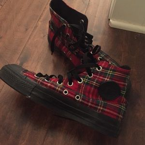 accebc231618 Converse Shoes - Red Holiday plaid Converse high tops- women6 men4