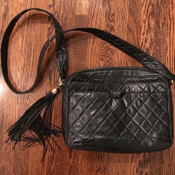 5fc21820a02f CHANEL Handbags - Vintage cross body camera bag