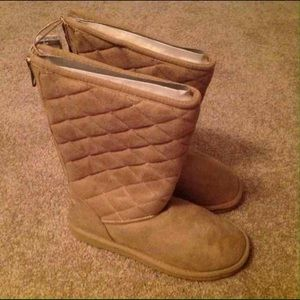 Aeropostale Shoes - NEW Aeropostale Quilted Boots