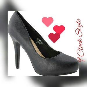Last 5.5 Heels Black color PRICE IS FIRM🚨🚨