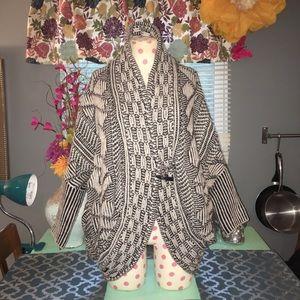 Zara Knit Sweater Size Medium
