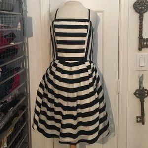 Like new Venus size 6 black & white stripe dress