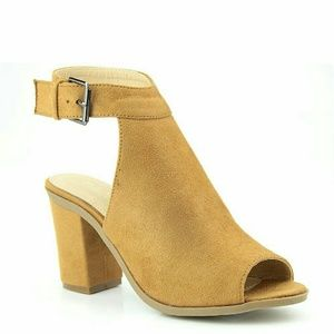 Shoes TAN SUE heels PRICE IS FIRM