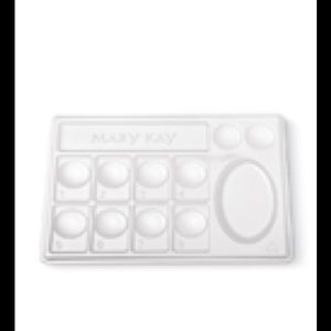 Mary Kay Other - Mary Kay Disposable Trays, pk./30