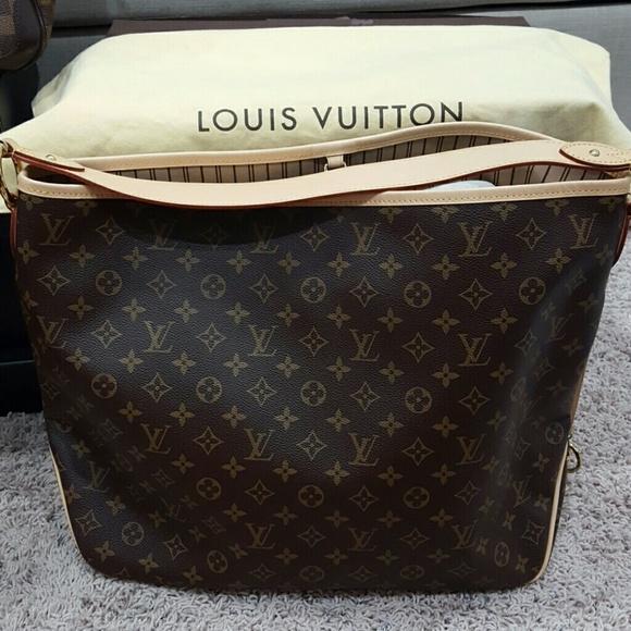 e4d5d912f18 Louis Vuitton Handbags - Authentic Louis Vuitton Delightful GM