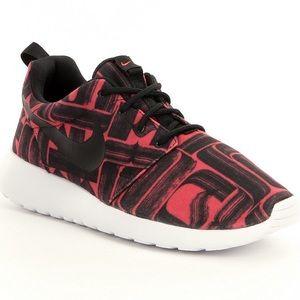 Nike Shoes - {Nike} Ember Glow Roshe One Print