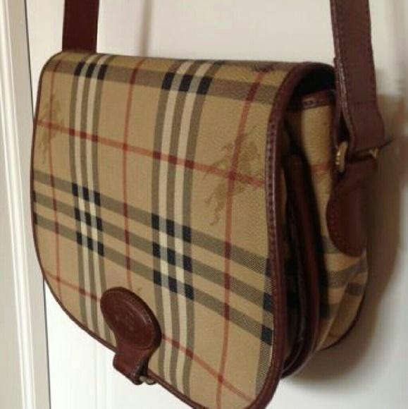 e93c475be86f Burberry Handbags - Authentic Vintage Burberrys Bag