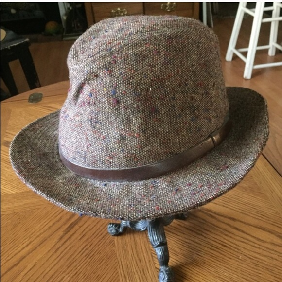 dca277db9be0a Vintage Mens Brown Wool Harris Tweed Hat ~ STETSON.  M 584c13966d64bc22a1034288