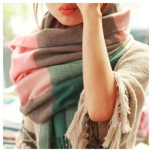✨HP✨ Blanket Scarf Pink Green Plaid Shawl Wrap
