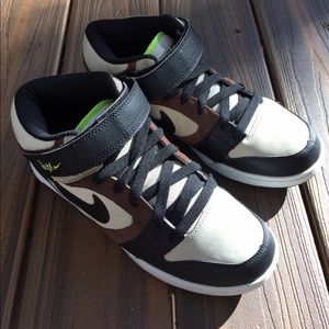 Nike Other - Men's Nike Nyx Size 8