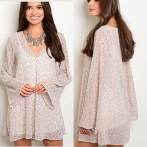 Dresses & Skirts - Taupe, Flare sleeve tunic mini dress! Floral print