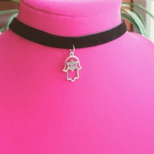 New choker necklace under 25