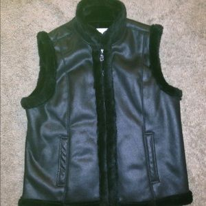 Ladies Black Jaclyn Smith Vest with Faux Fur