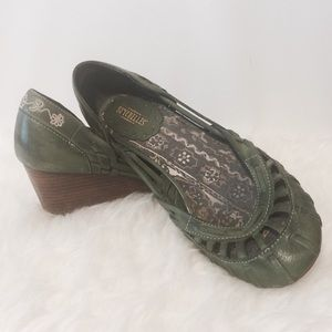 Seychelles Shoes - Seychelles Olive Leather Embroidered Wedge