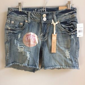 Wallflower Pants - NWT Vintage Style Denim Embellished Shorts
