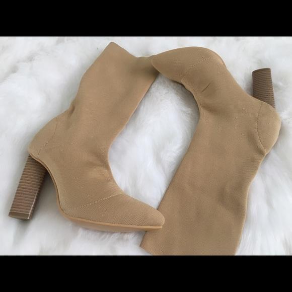 5a319da80 NEW Yeezy Knit Boots Like Beige Season 2 Sz 7.5