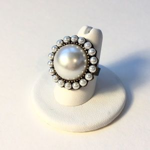 Jewelry - Pretty & Classic Faux Pearl Cocktail Ring❤️