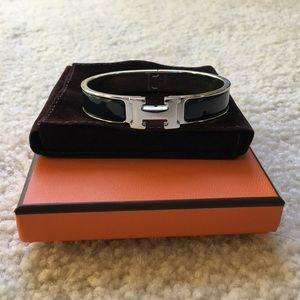 2194748772f ... NWOT Hermes Le Bracelet H Under Armour workout shorts
