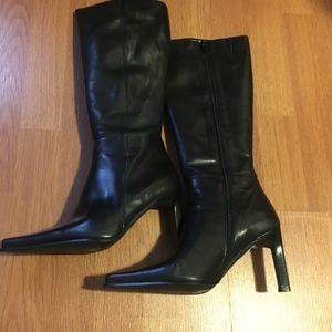 Luigi Bianchi Mantova Shoes - Zip Up Black Heel Boots