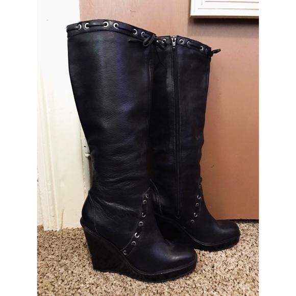7a834a332426a Michael Kors Black Leather Boots BLACK FRIDAY SALE.  M 581e3584c6c79587c103a37a