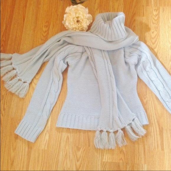 45f8ae7e12da5 Derek Heart Sweaters - Derek Heart Light blue sweater with scarf