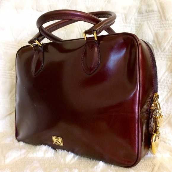 94b57092160 ✨Vintage Moschino by Redwall Patent Leather Bag. M_581e4c9556b2d67f2103fd35