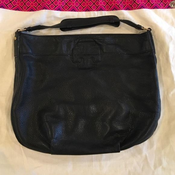 6359bfe347f1 Authentic Black Tory Burch Stacked T Hobo Bag. M 581e4da5291a3599de04077c