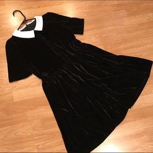 Dresses & Skirts - Wednesday Addams stretchy velvet dress NWOT Med