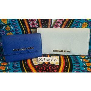 Michael Kors Handbags - 🎉 Authentic Michael Kors Wallet Bundle