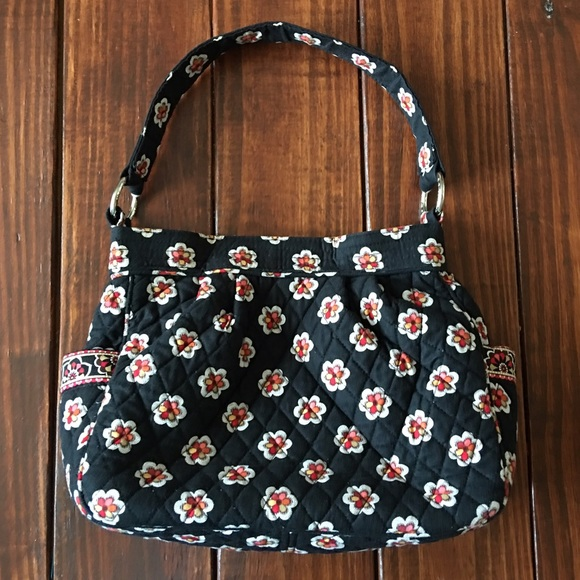 Black Vera Bradley shoulder bag with flowers. M 581e6d988f0fc45fe004660b eeff16591d