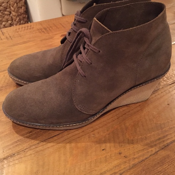 3e51d89da316 J. Crew Shoes - J. Crew Macalister Wedge Bootie in Olive Green