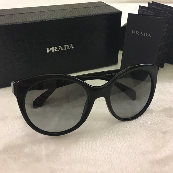 ad269e939e3 Prada original sun glasses made in ITALY 🇮🇹