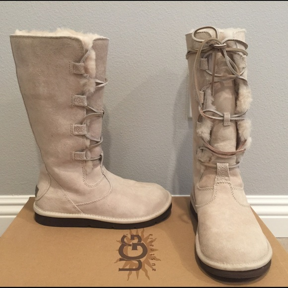 d12329e4aa7 Women authentic UGG lace-up boots