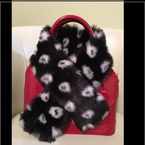 Accessories - Raccoon Scarf