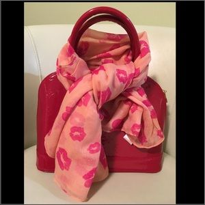Accessories - Kisses Scarf