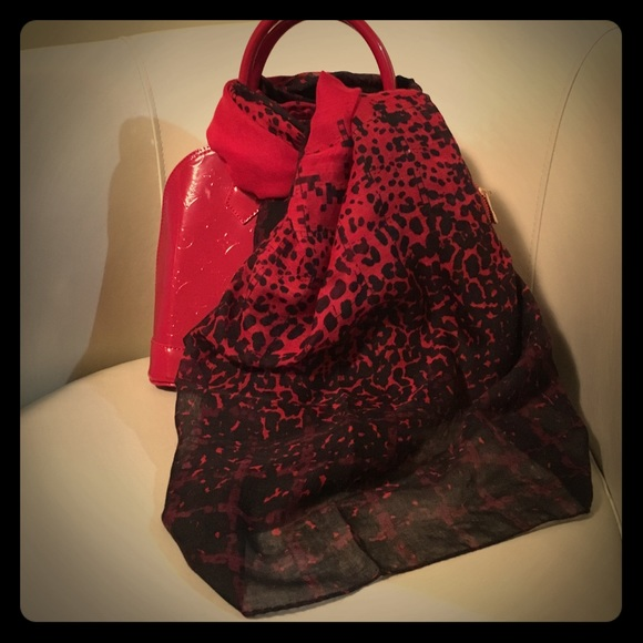 Accessories - Black and Red Scarf