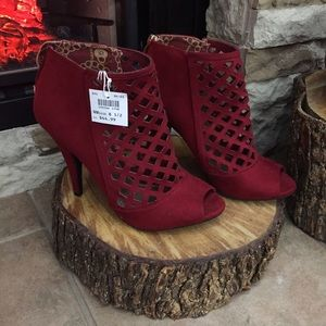 Christian Siriano Shoes - NWT Christian Siriano laser cut red booties