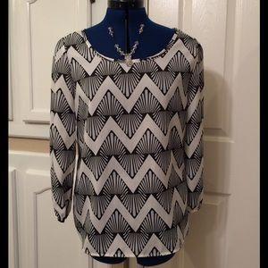 HOT PICKANTHROPOLOGIE sheer, printed blouse