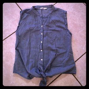 Old Navy chambray denim sleeveless top