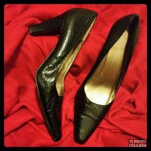Belldini Shoes - 💲 SALE $13 💋 Genuine Snake Skin Bellini Pumps 💋