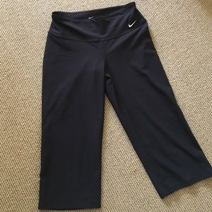 Nike Other - Nike Dri-Fit Capri athletic pant