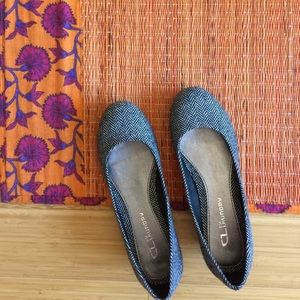 NWOT gray ballerinas size 6.5