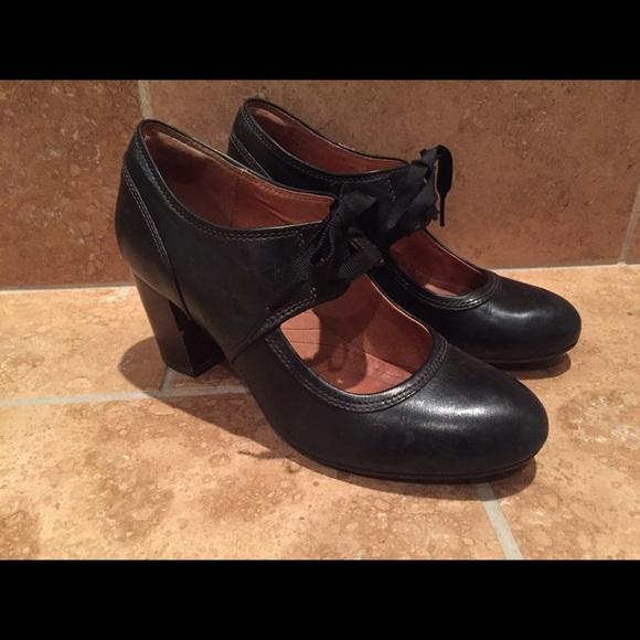 5126a2f6e199 Clarks Shoes - Clarks Indigo Town Cloak Heels