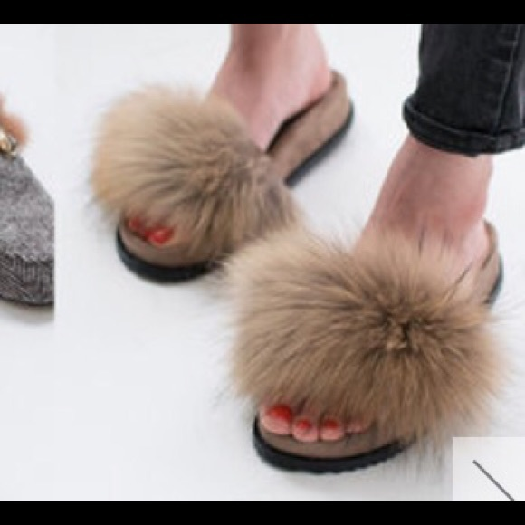 Givenchy Shoes - Fur slippers d86788368