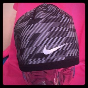 Nike Accessories - ONLY 1! Nike Reversible Beanie