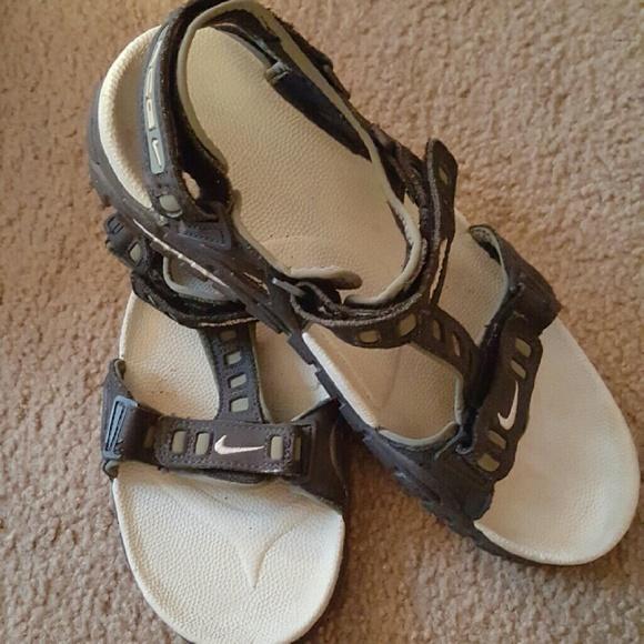 19b0e31bd4a3 ... ebay mens nike acg air deschutz size 12 sport sandals 1267d 80825