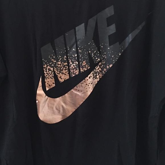 aea78fc27 Rose Gold Nike long sleeve shirt size XL. M_581f6827522b455f09074041