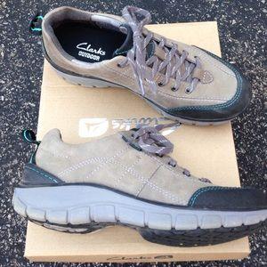 Clarks Shoes - [Clarks] Wave trek walking shoe in grey sz 6.5